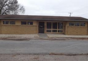 1700 E Main St.,Olney,Illinois,United States 62450,Building,E Main St.,1282
