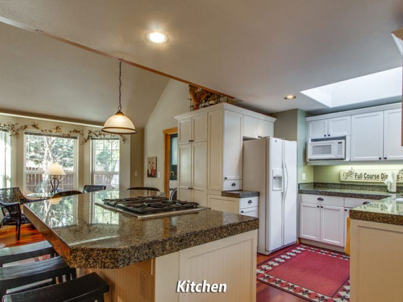 599 NW Lindsay Ct,Bend,Deschutes County,Oregon,United States 97703,House,NW Lindsay Ct,1599
