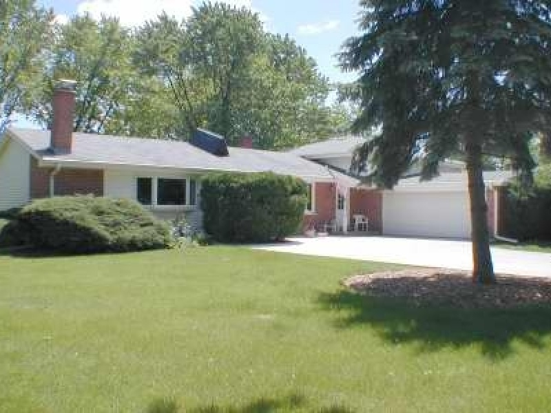 1057 S Walnut Ave,Arlington Heights,Cook,Illinois,United States 60005,House,S Walnut Ave,1088