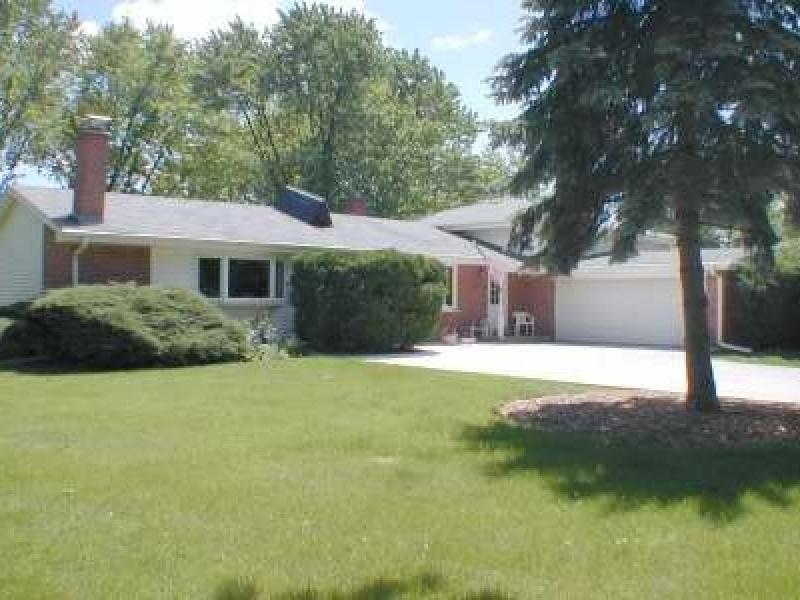 1057 S Walnut Ave,Arlington Heights,Cook,Illinois,United States 60005,House,S Walnut Ave,1088